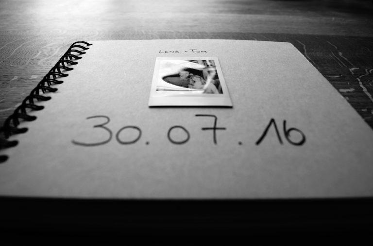 Polaroid Buch _ sw