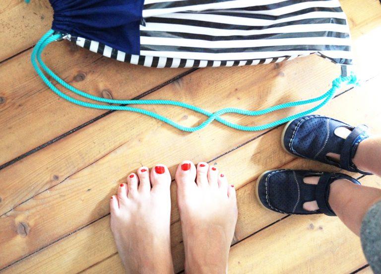 Turnbeutel mit Füßen
